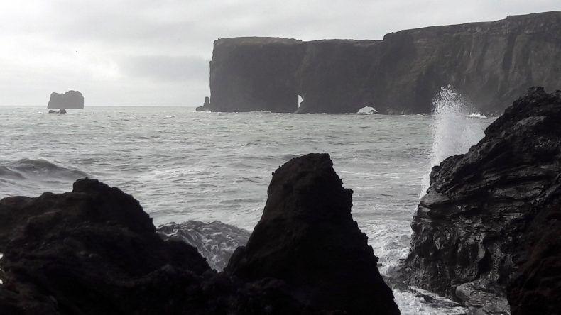 Schwarzer Strand bei Vik auf der Halbinsel Dyrhólaey