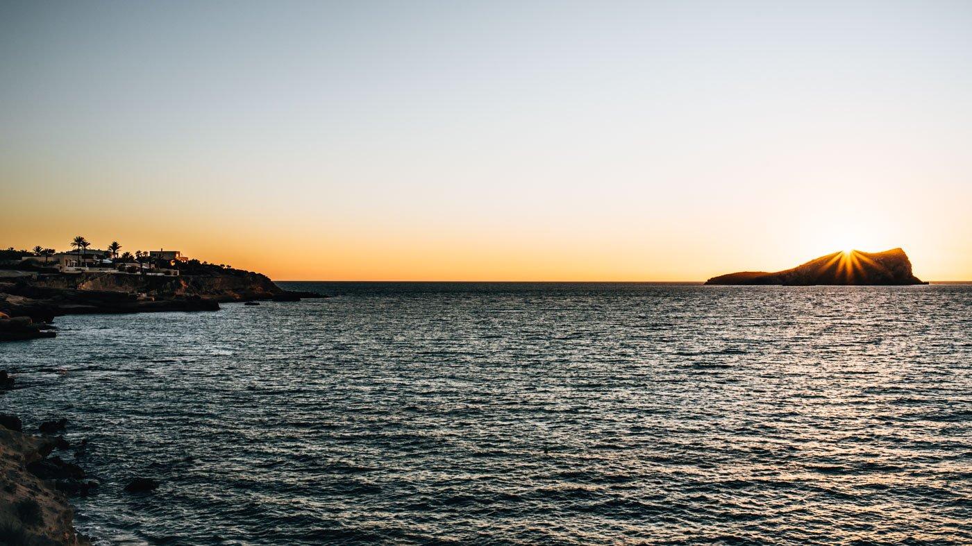 Cala Comte: unser liebster Ort für einen Sundowner auf Ibiza.