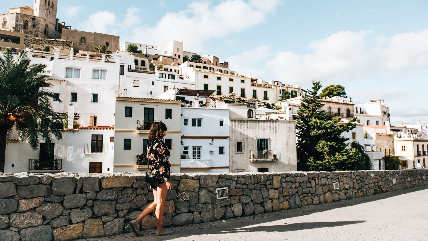 Die Hauptstadt Ibizas: in der Nebensaison angenehm ruhig.