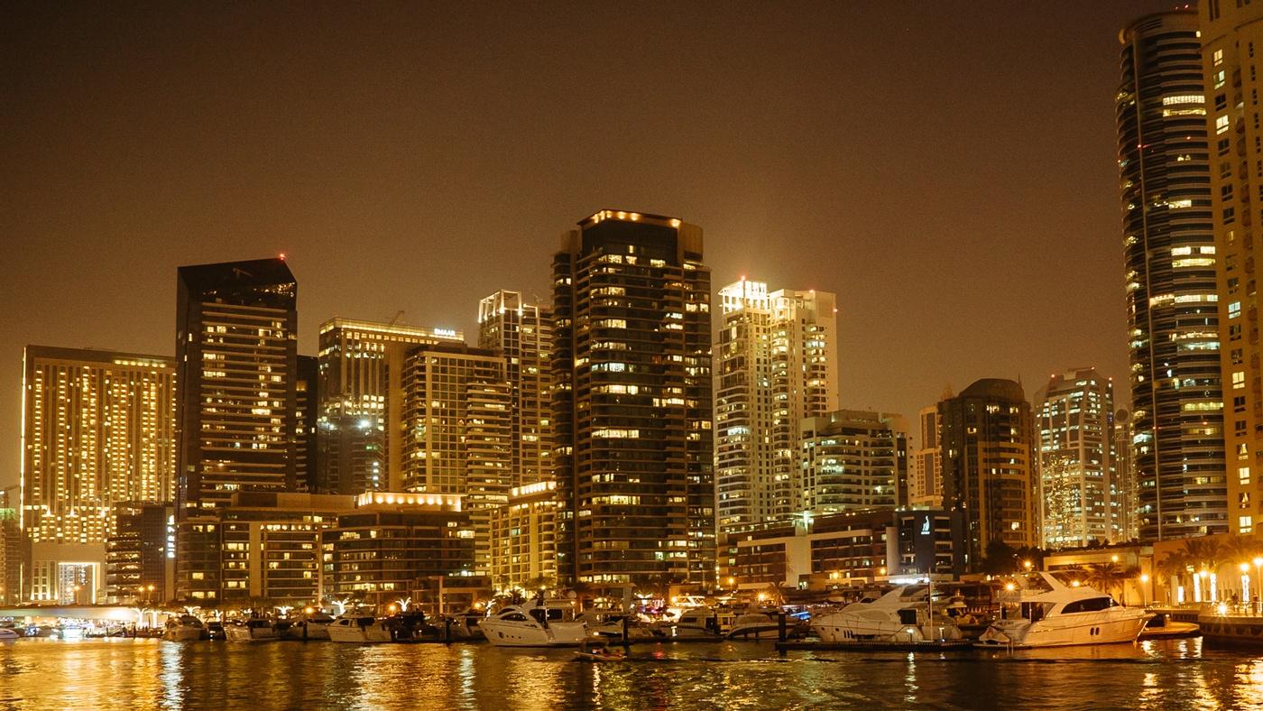 Am Abend ist Dubai genauso sehenswert wie tagsüber