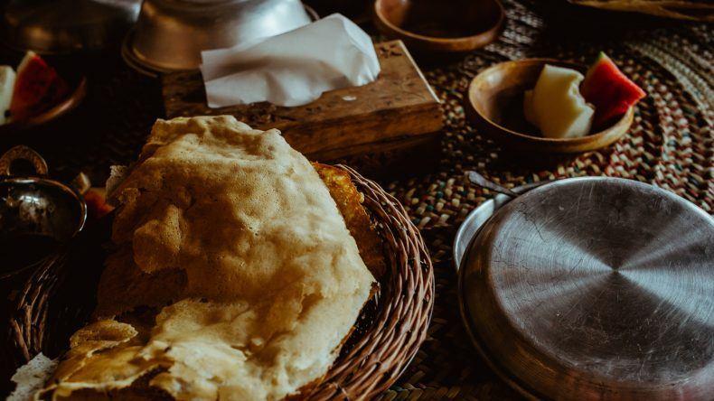 Safran-Pfannkuchen sind ein typisch arabisches Gericht.
