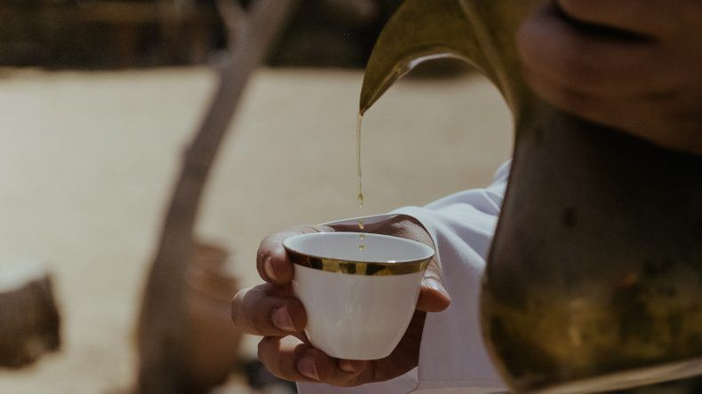 Neben Kaffee trinkt man in Dubai auch sehr gerne Tee
