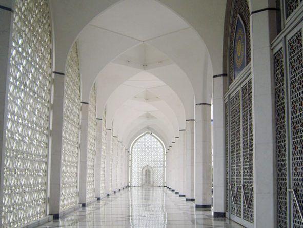 Die schönsten Kirchen: Die Abdul Aziz Shah Moschee