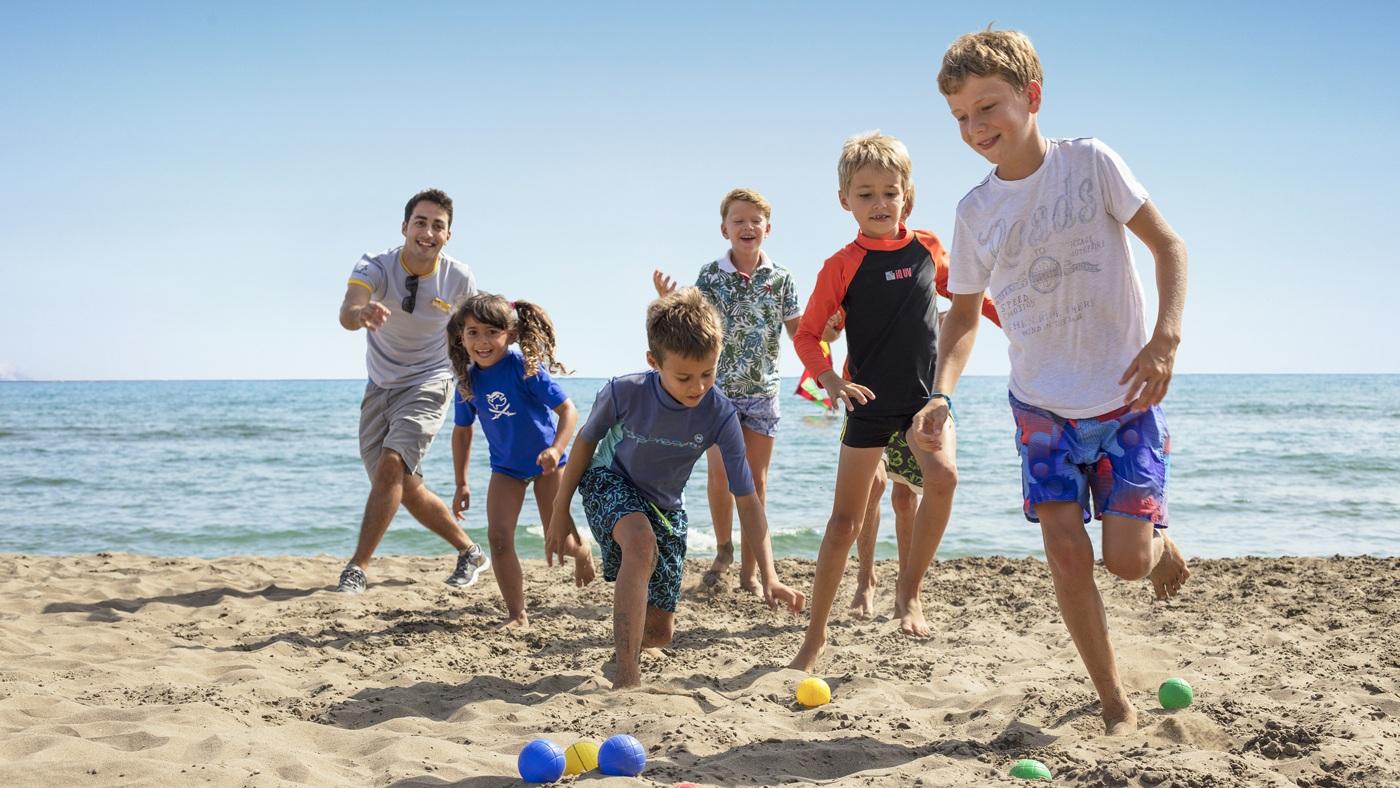 Kinderbetreuung in 3 Altersgruppen und ein tolles Unterhaltungsproramm bringen Spaß