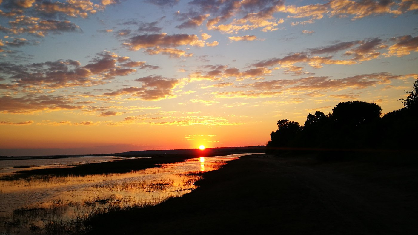 Traumhafter Sonnenaufgang im Chobe Nationalpark