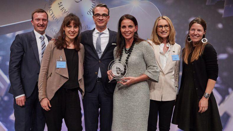 v. l. n. r.: Sustainability Manager Andreas Vermöhlen, ich, die Gewinner des TUI Umwelt Champions Robert Heitzig, Almudena Martin, Anouchka Gerlach und Direktorin Nachhaltigkeit der TUI Group Jane Ashton (Zweite von rechts)