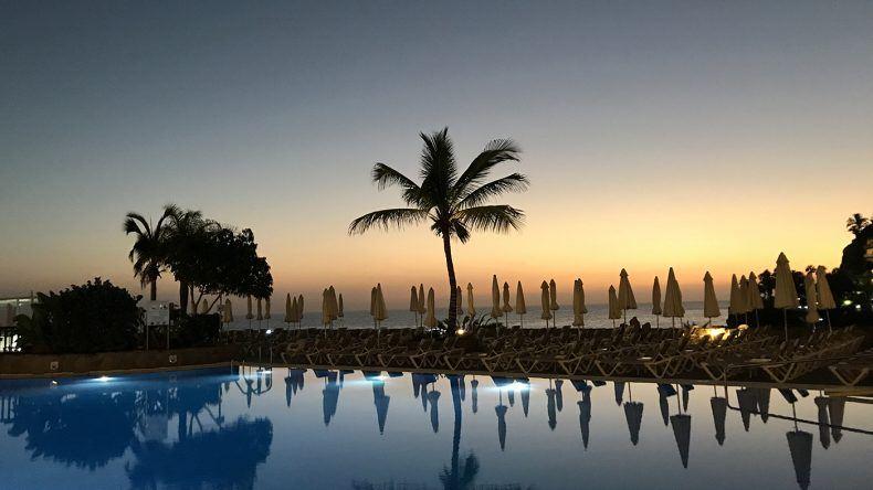 Jeden Abend ein Genuss im Suite Princess: der Sonnenuntergang über dem Meer.
