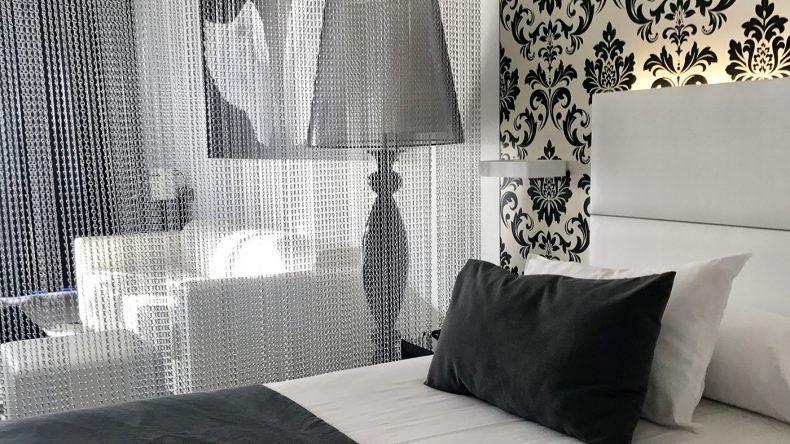 Schöner Kontrast zum Sunset: die stylishen Zimmer im Suite Princess.