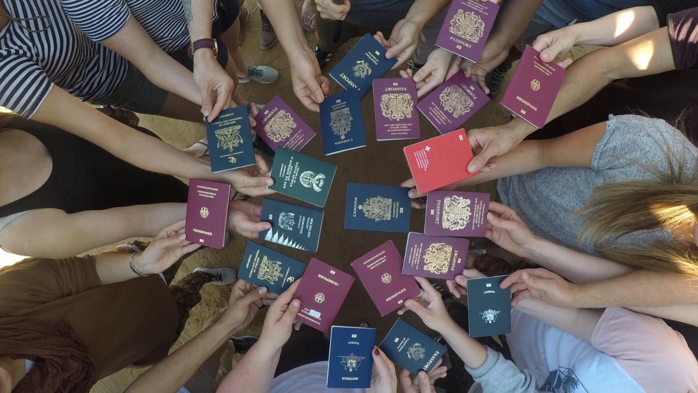 Zeigt her eure Reisepässe!