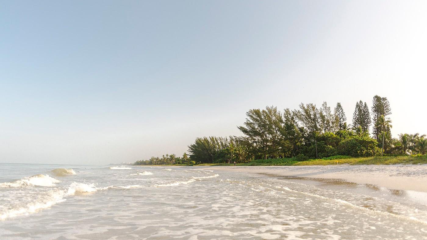 Sehr bekannter Naples Beach: Der Vanderbilt Beach County Park
