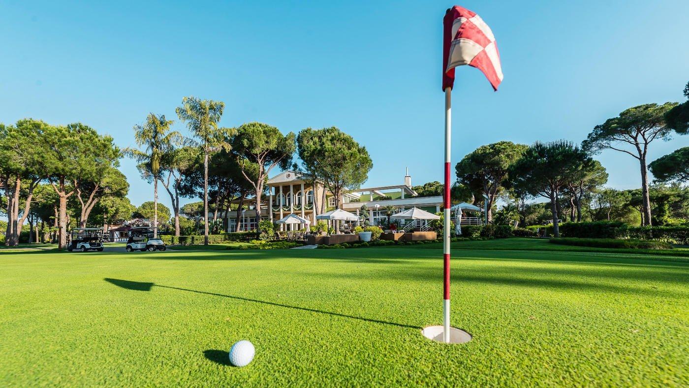 Ihr wollt Golfurlaub? Den könnt ihr haben im ROBINSON Club Nobilis