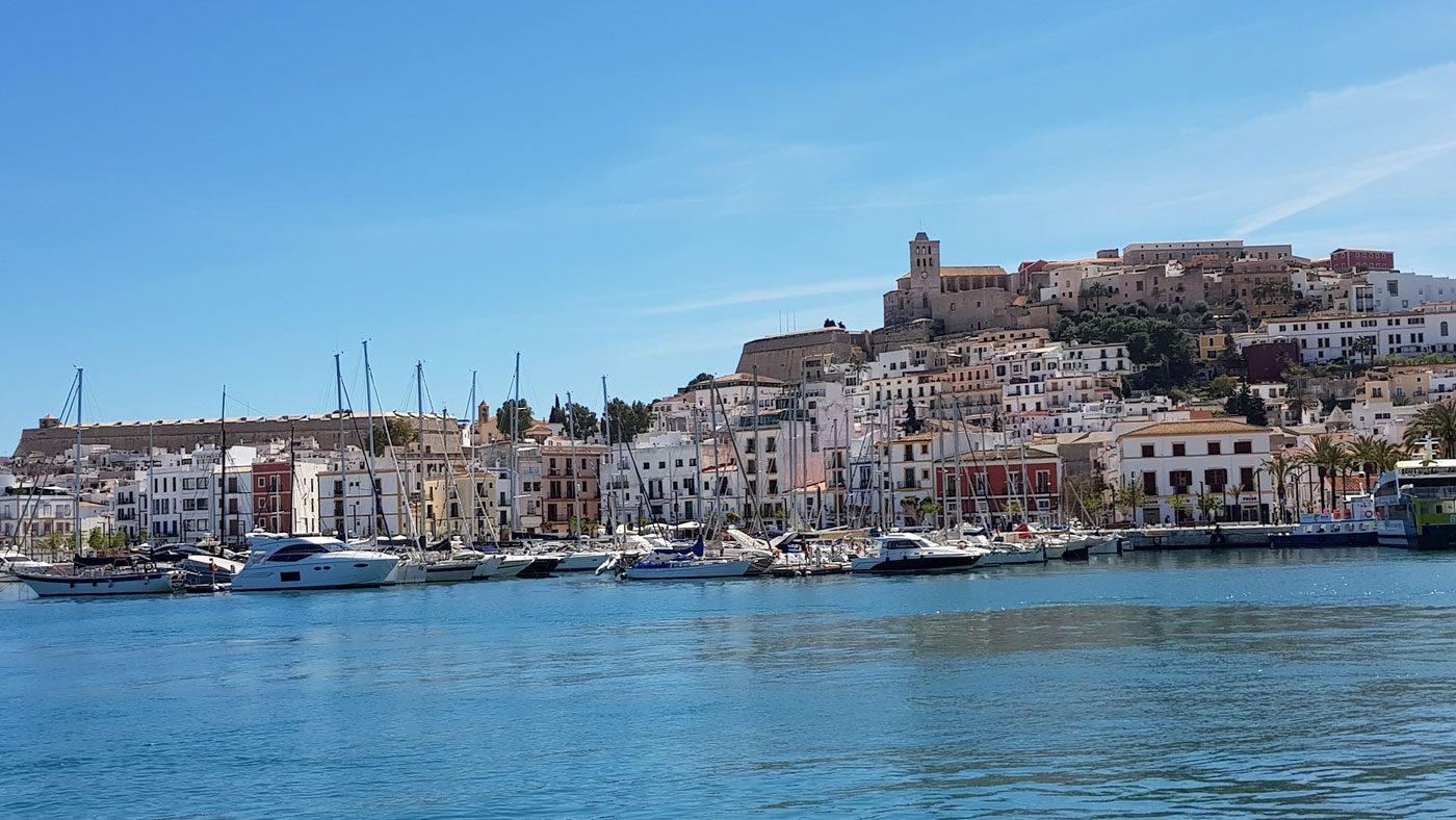 Ibiza im Frühling - die Ruhe vorm Saisonstart