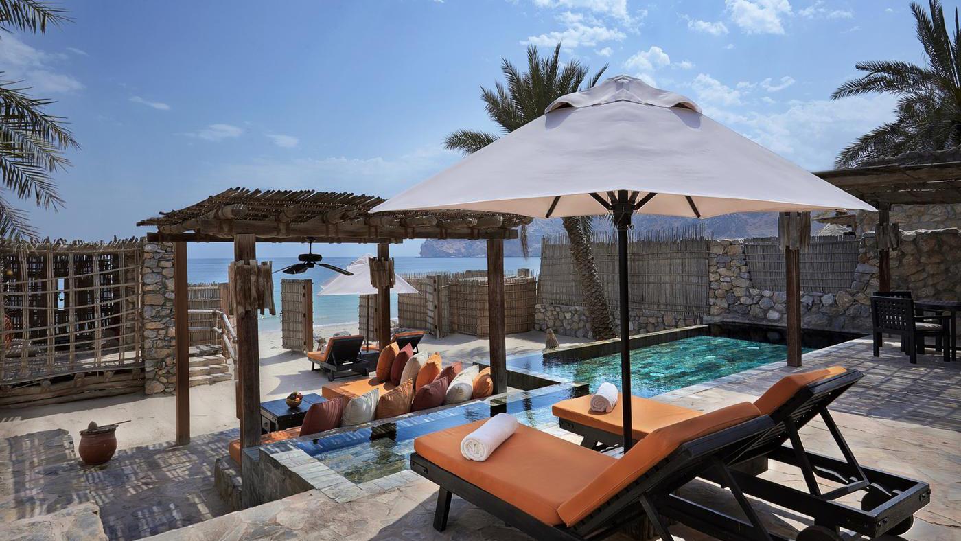 Auf 438 m² bleibt auch genügend Platz für Privatsphäre. Wenn man die im Honeymoon überhaupt nötig hat...