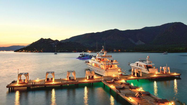 In den Daybeds den Sonnenuntergang genießen - Dein Urlaub im TUI BLUE Marmaris