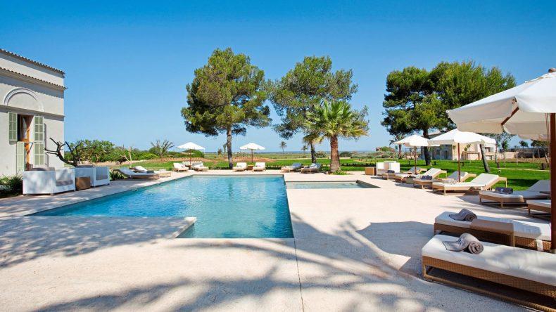 Poolposition im Fontsanta Hotel Thermal Spa und Wellness