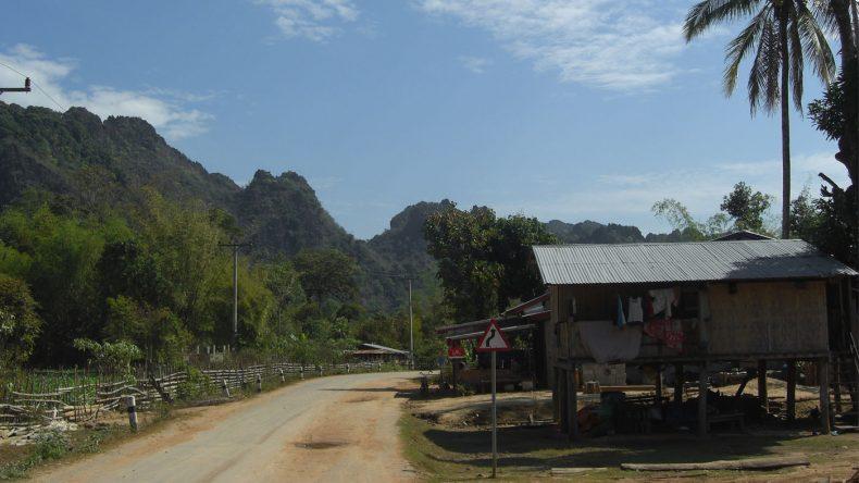 Am Ziel einer langen Odyssee - das Dürfchen Ban Tiou an der Kong Lo Höhle