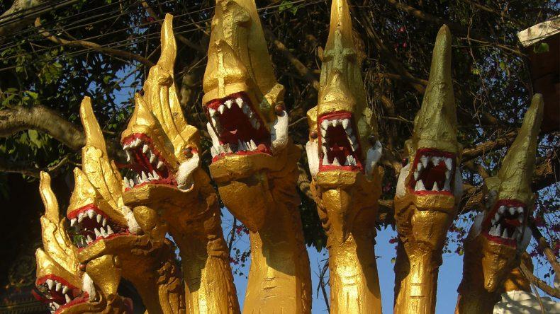 Die über 300 Tempel in Luang Prabang sind bunt angestrichen und reich verziert