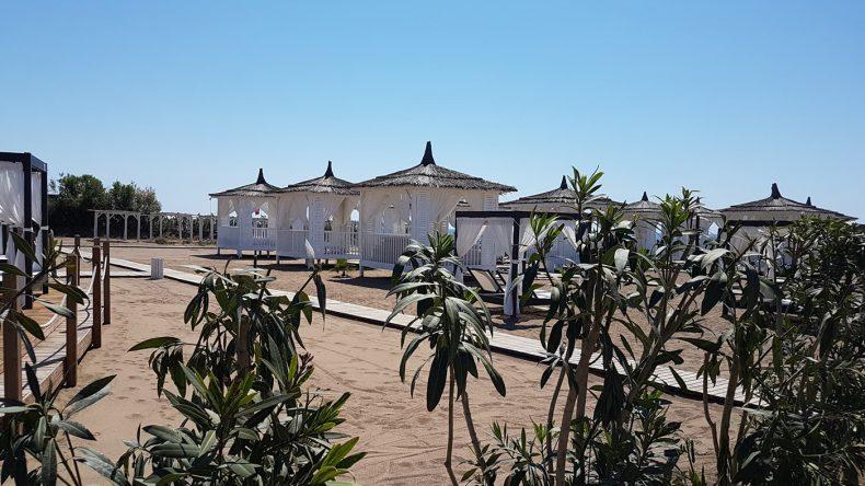 Das Lara Barut Collection befindet sich direkt am schönen Sandstrand
