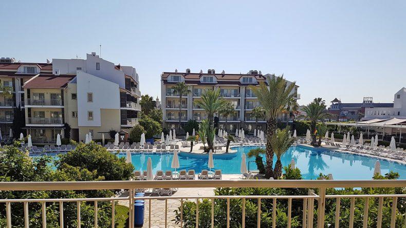 Das 4-Sterne Barut B Suites an der Türkischen Riviera eignet sich bestens für einen Urlaub mit der ganzen Familie