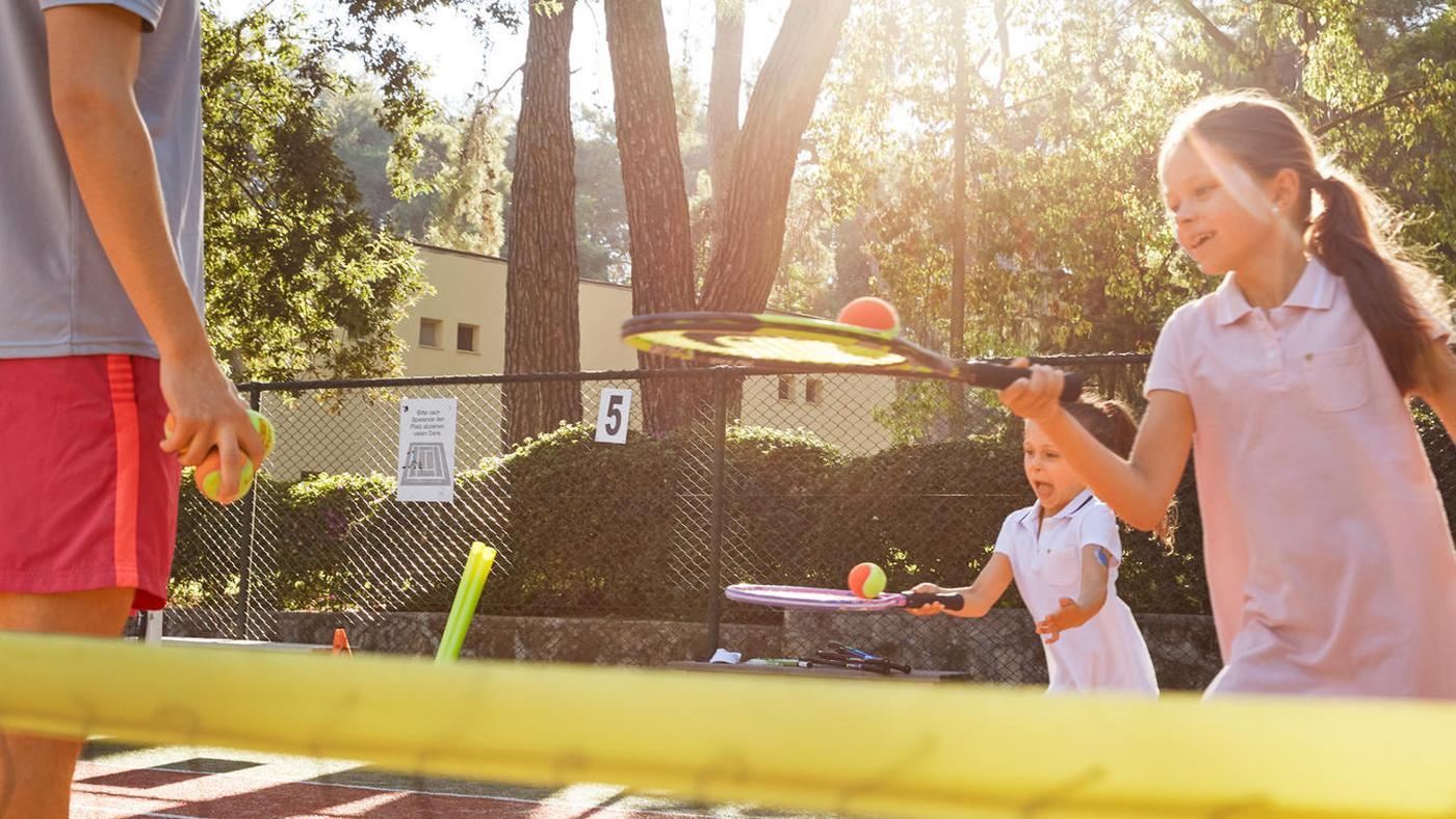 Tennis spielen im ROBINSON Club Pamfilya