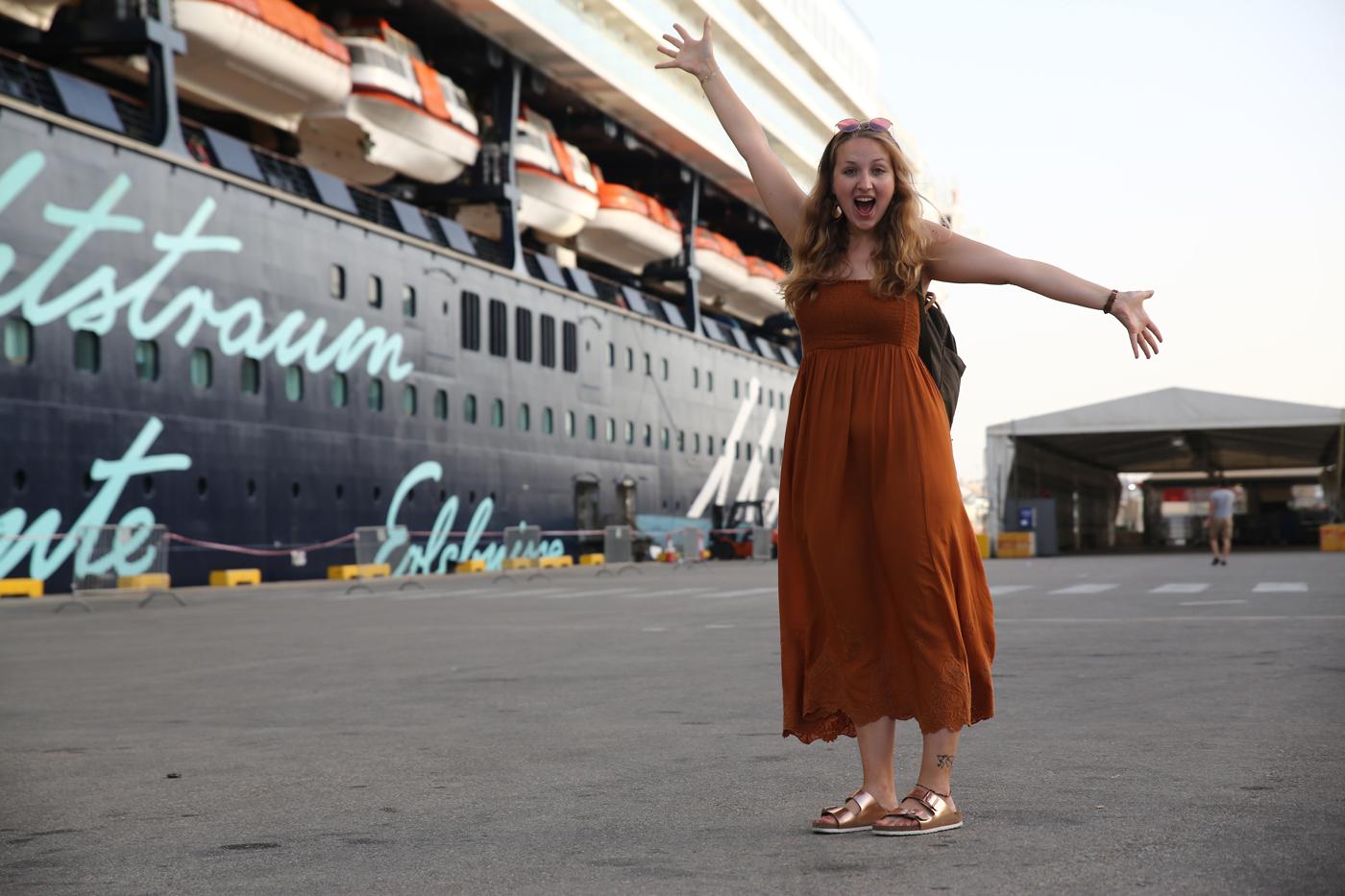 Carina vor der Mein Schiff 2