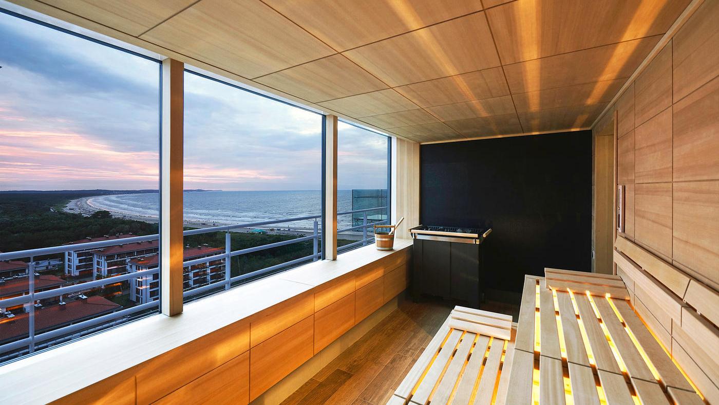 Genießt den Ausblick auf die Ostsee von der Panoramasauna des Radisson Blue Resort Swinoujscie