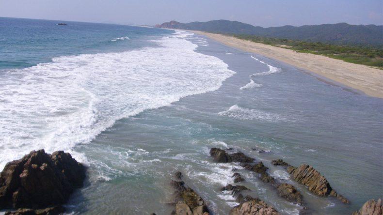 Playa Peña Blanca - An den Strand im Norden Manzanillos verirrt sich kaum ein Mensch.