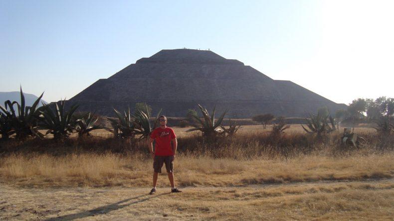 Die riesigen Pyramiden von Teotihuacan sollte ein jeder Mexiko-Reisende erklommen haben.
