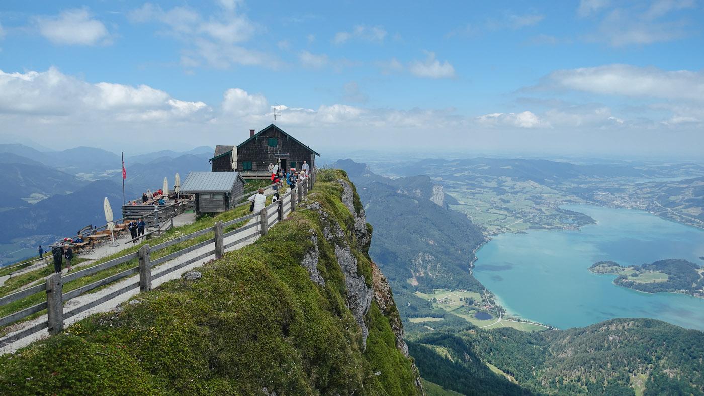 Der Ausblick oben auf dem Schafberg mit Himmelpforte und Mondsee ist einfach einzigartig