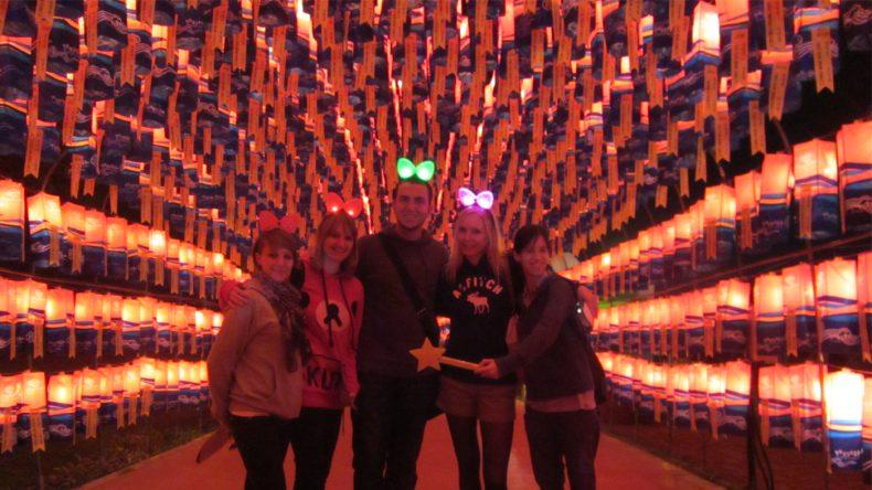 Mittlerweile werden die tausenden Laternen fast ausschließlich mit elektronischem Licht beleuchtet.