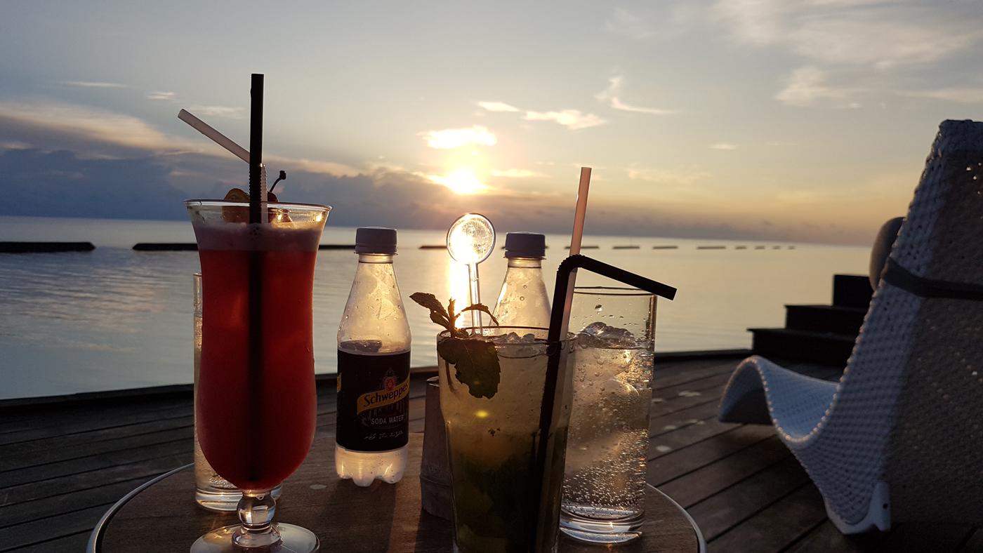 So wird ein schöner Tag perfekt abgerundet: Sundowner in der Sky Bar
