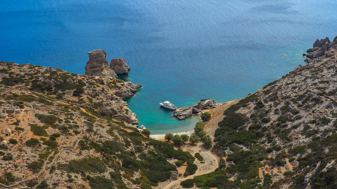 Diese Bucht findet man auf der Pirateninsel Saria