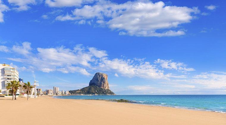 An der Costa Blanca könnt ihr auch im Oktober noch prima baden und entspannen