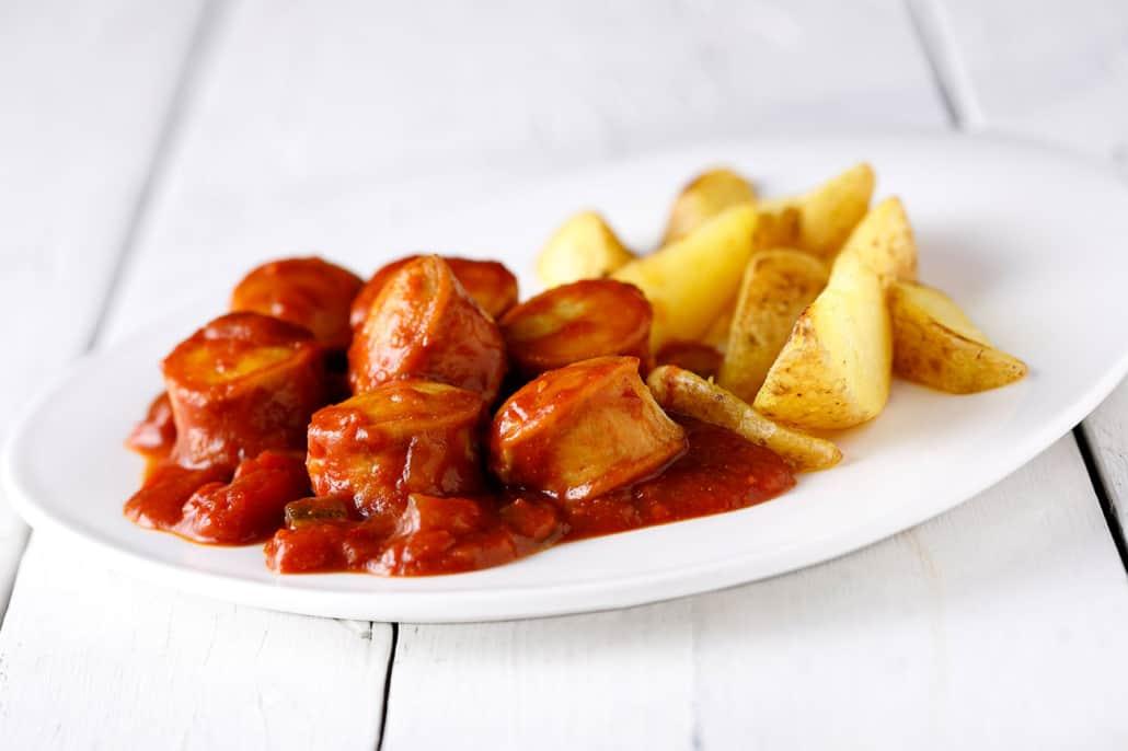 TUI fly Essen an Bord Currywurst
