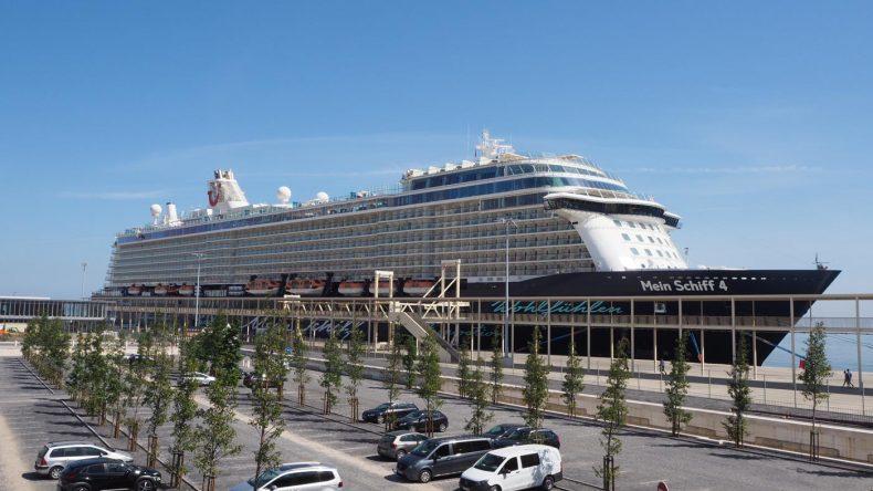 Die Mein Schiff 4 in Lissabon