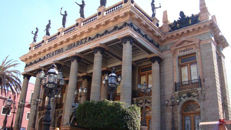 Enge Gassen, tolle Museen und schicke Kolonialarchitektur. Ein Besuch von Guanajuato ist ein absolutes Muss.
