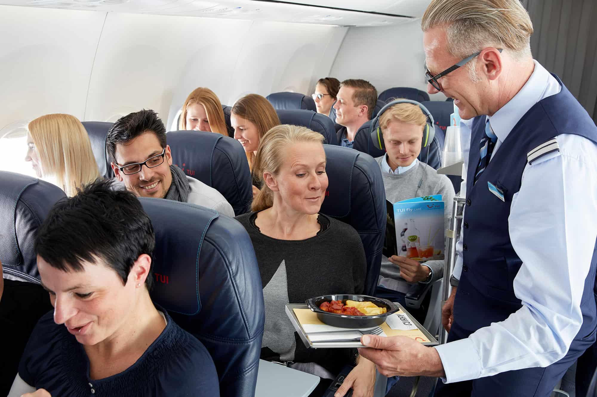 Essen im Flugzeug oder wie kommen die Pommes auf die Menükarte?