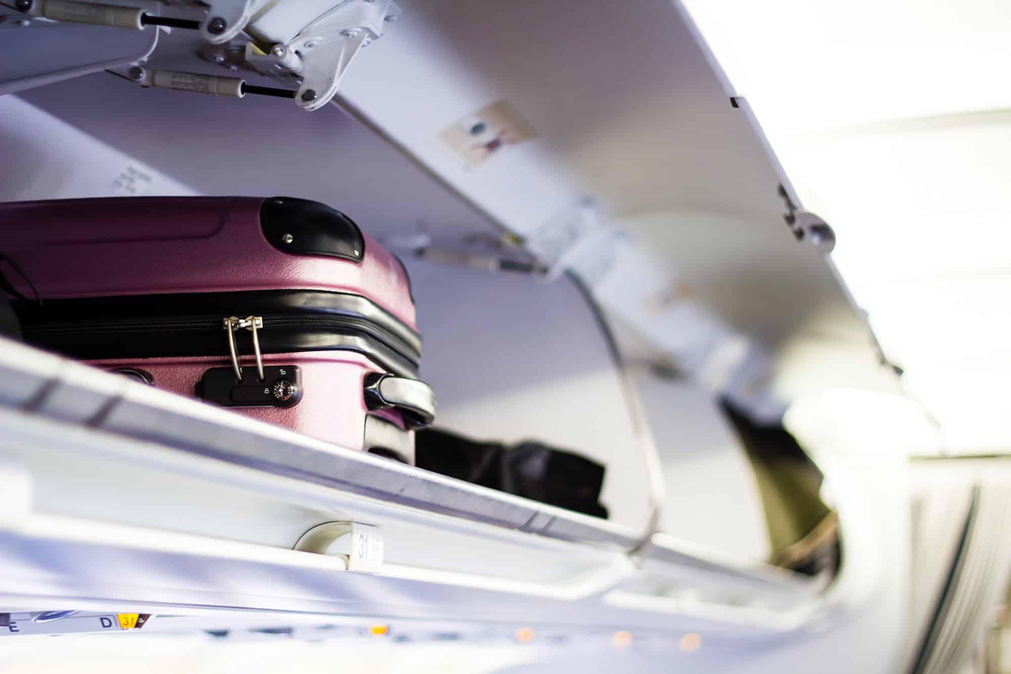 Handgepäck-Ablagefach-Flugzeug