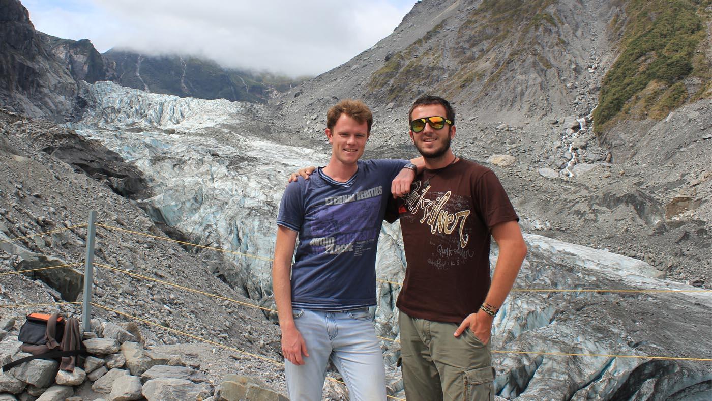 Der Fox Gletscher ist durch seine niedrige Höhenlage und dem hohen Niederschlag an der Westküste einer der sich am schnellsten bewegende Gletscher der Welt.