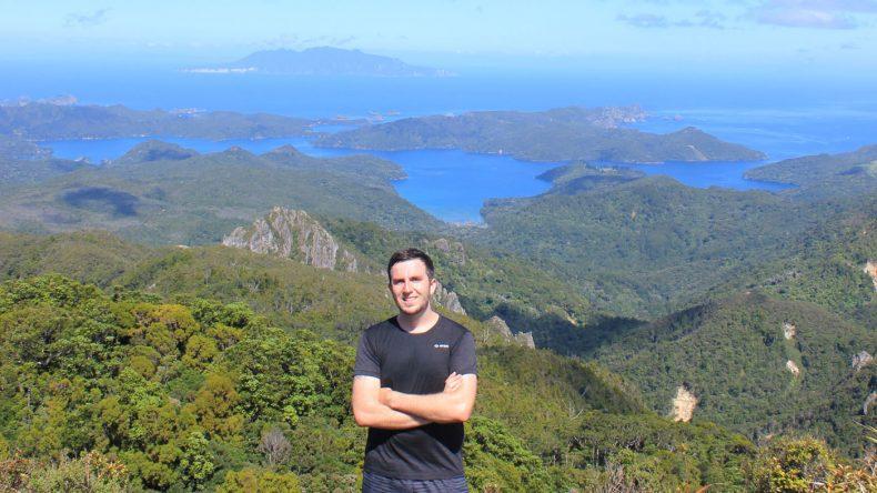 Der schweißtreibende Aufstieg zum Mount Hobson wird mit einem spektakulären Blick über die ganze Insel belohnt.