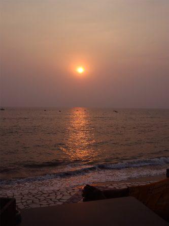 Am Meer in Indien ist einfach jeder Sonnenuntergang ein Traum.