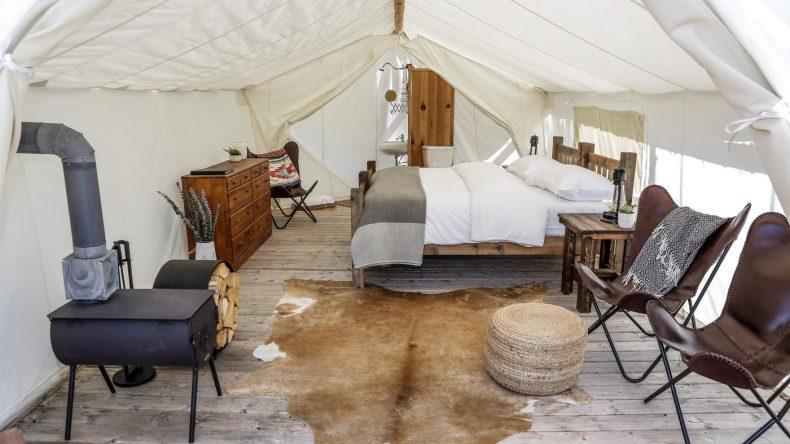 Die Zelt sind luxuriös und gemütlich eingerichtet