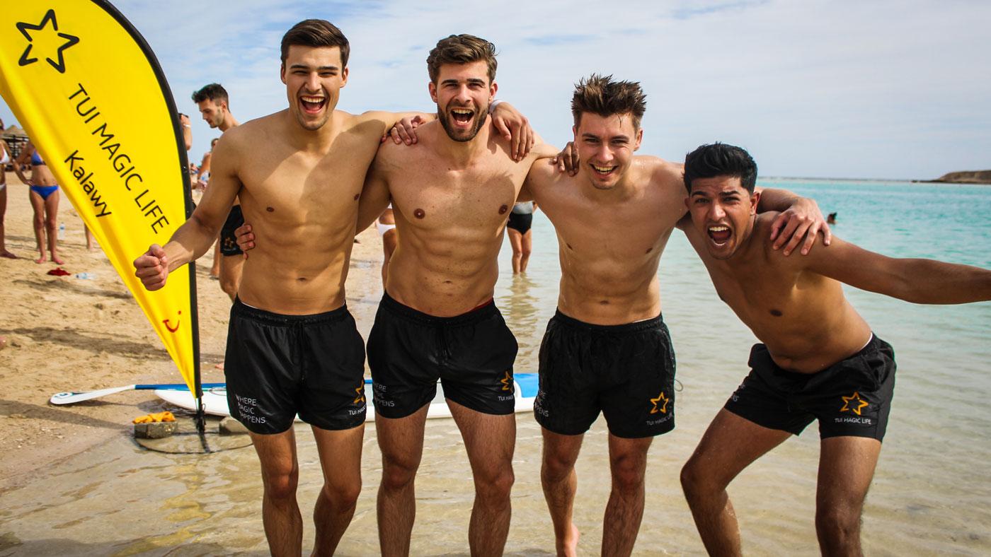 Die stolzen Gewinner der Beach Boot Camp Competition