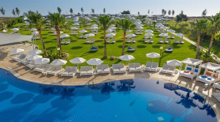 Das neu erbaute TUI BLUE Zahara Beach in Spanien. Das 4-Sterne Hotel liegt an einem der schönsten Sandstrände Europas