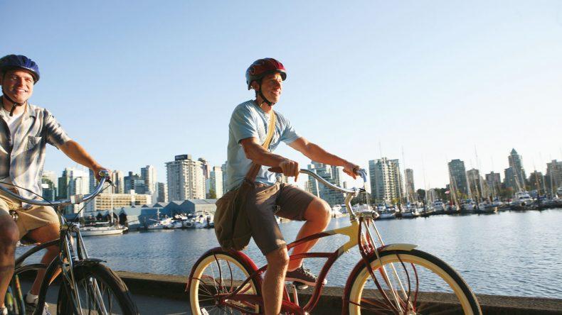 3. Mit dem Fahrrad die schöne Stadt entdecken.