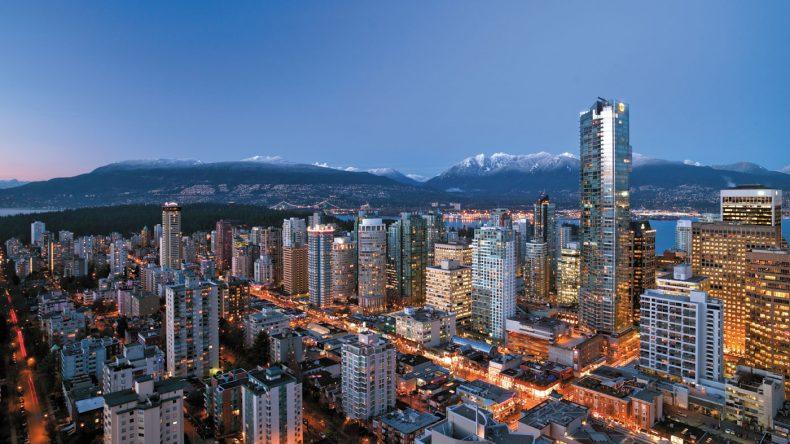 9. Wer nicht fliegen will, der erlebt mit FlyOver Canada eine Flugsimulation, die euch auf Vancouvers schönste Seiten blicken lässt.
