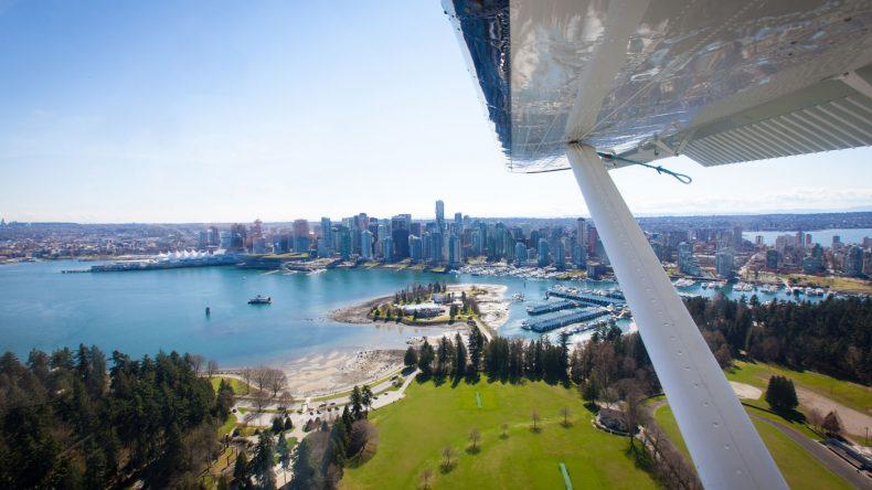 2. Eine Tour mit dem Wasserflugzeug unternehmen, um Vancouver von oben zu sehen.
