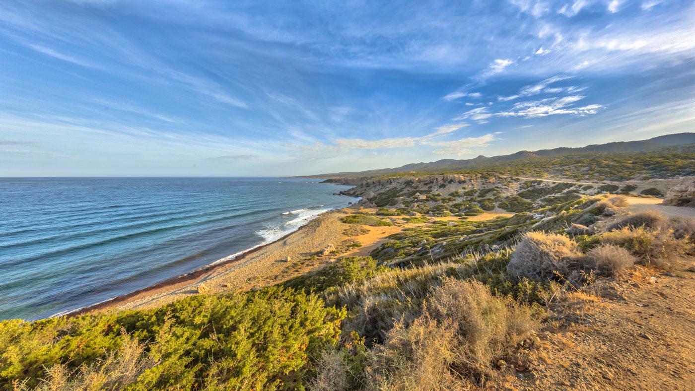 Küste der Halbinsel Akamas auf Zypern (istockphoto/CreativeNature_nl)
