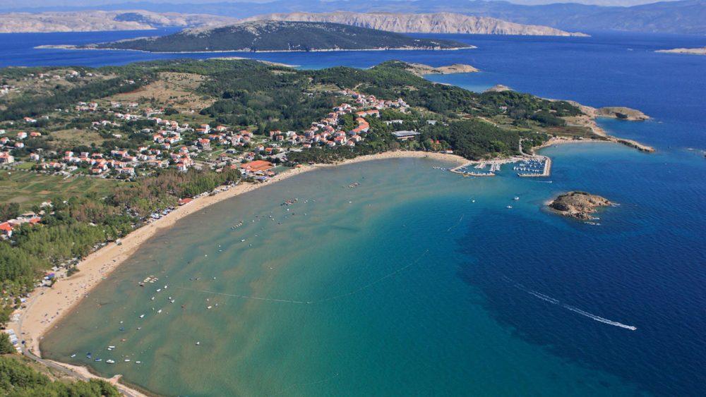 Das 3 Sterne Family Hotel Lopar und Plaža liegt ganz in der Nähe des Sandstrand Kraotiens Rajska Plaža
