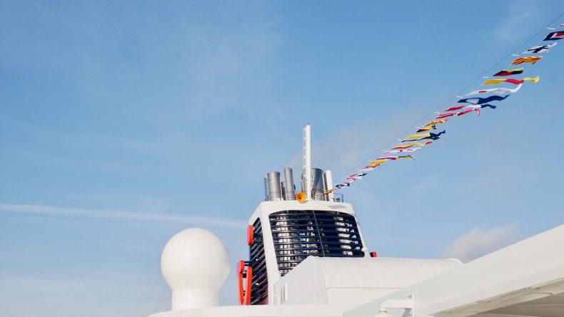 Die neue Mein Schiff 2 mit TUI Logo